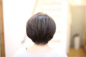 白髪染め、根元だけの場合もケアカラーで若々しい髪の毛をKEEP!