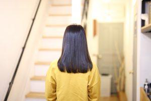 徐々に縮毛矯正の予約が増えてきました。縮毛矯正とストレートパーマ、どっちがいいの??