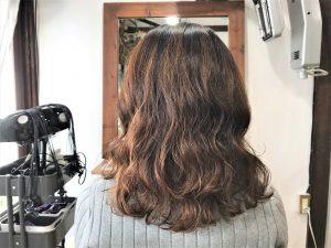 クセ毛の方も髪質次第ではパーマをかけて活かせるかも!デジタルパーマ編