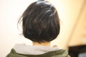春のイメチェン!ロングヘア→ショートボブ×毛先だけパーマ◎