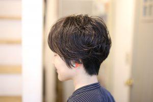 直毛を柔らかく見せるニュアンスパーマ◎ これからの時期はWETに仕上げるのも良いですよ!