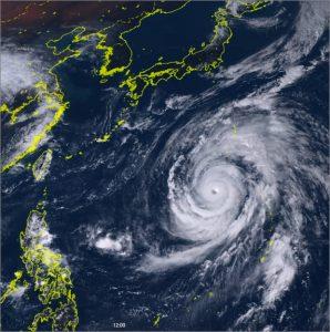 台風19号の接近に伴う営業時間変更のお知らせ画像